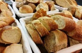 Stokbrood en smeersels boter bezorgen hapjes tapas Zwolle