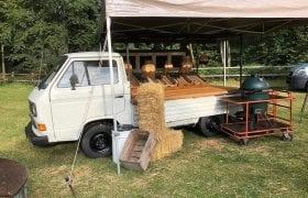 Foodtruck Volkswagen T3 buffet uitgifte